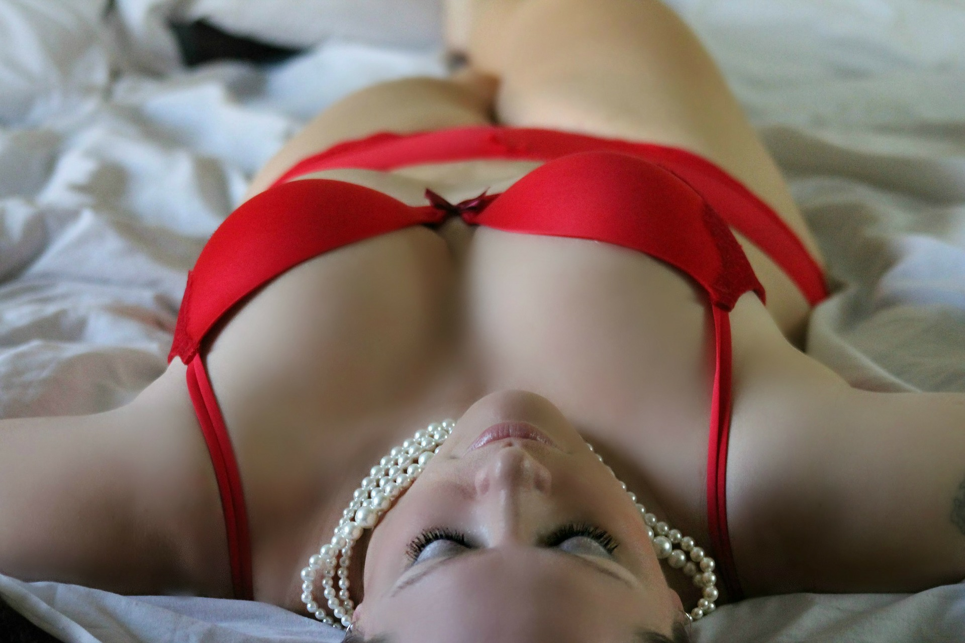 Choisir LA COULEUR de lingerie qui saura vous mettre en valeur 3