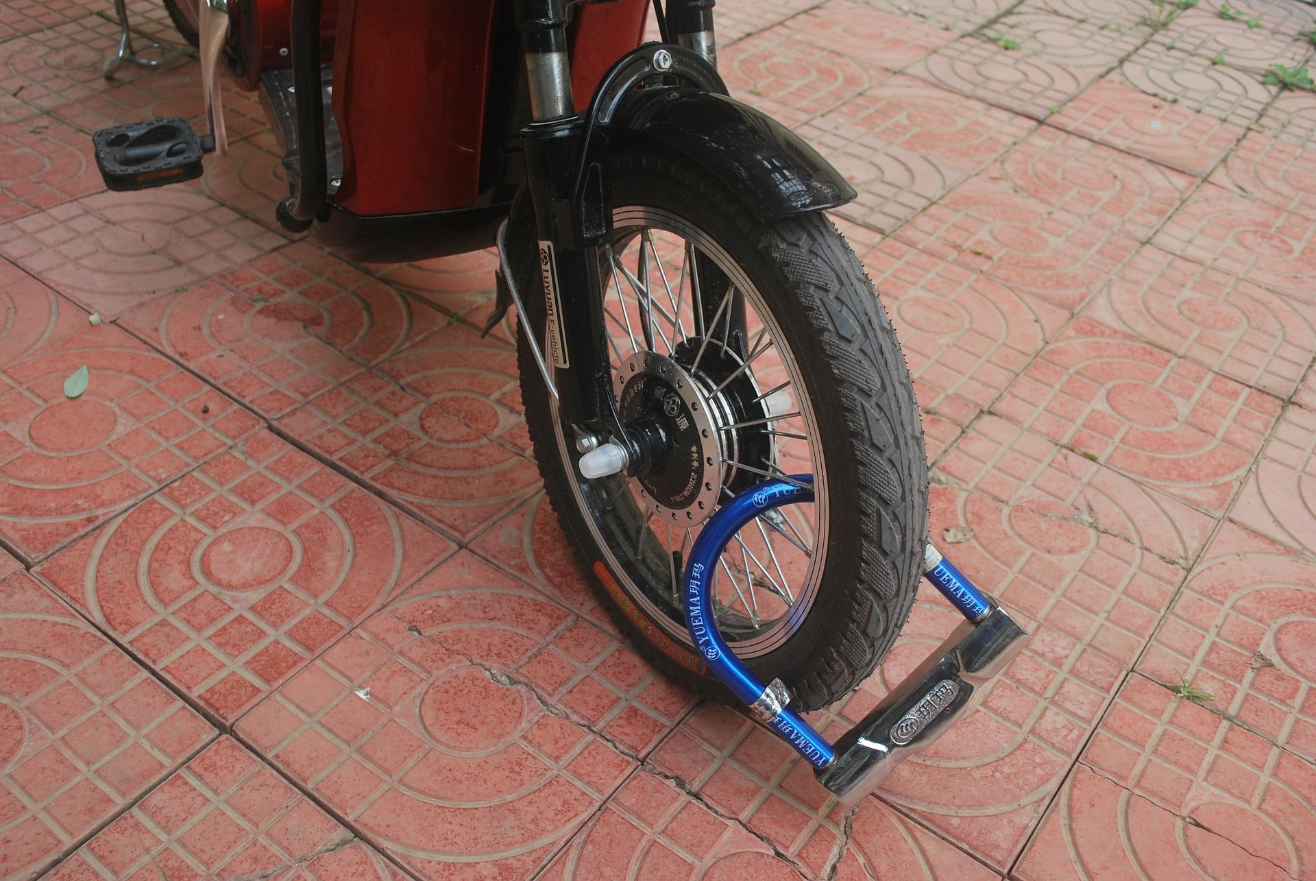 Comment protéger sa moto avec un antivol? 2